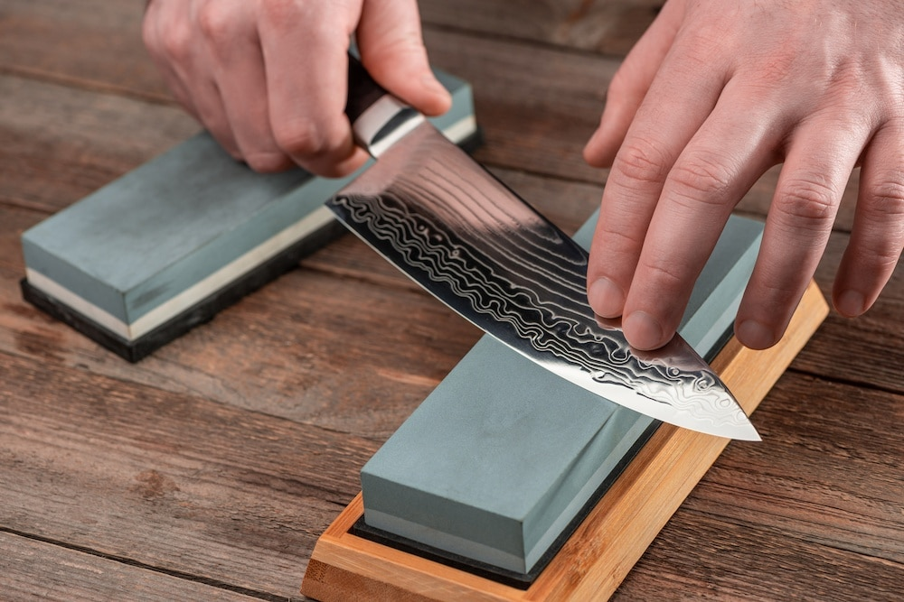 how to use a whetstone to sharpen a knife
