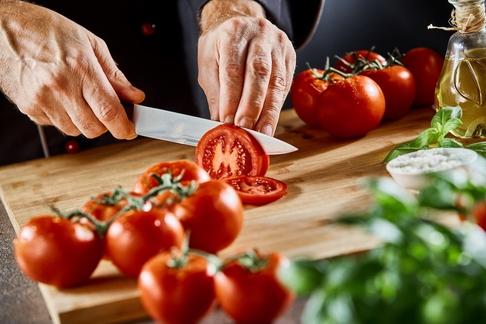 how to use a slicing knife